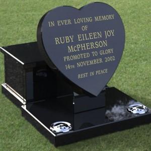 burlingham-memorial-solutions-products-garden-memorials-heart-1f-inscribed-large